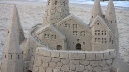 Are you building your castles on the sand? Build a long-tail blog castle instead